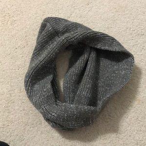 UNWORN infinity scarf grey with slight sparkles
